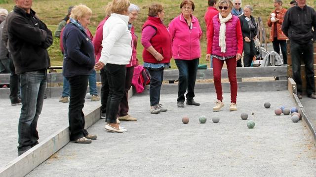 152-joueurs-de-boules-bretonnes-au-concours-du-3e-age