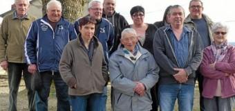 Mûr de Bretagne(22): À 95 ans, Louis Burlot joue toujours à la boule bretonne