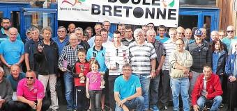 Trélévern(22): Bilan des championnats de boules bretonnes