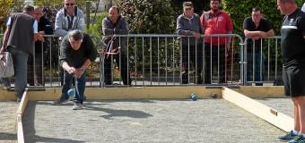 Penvénan(22): Concours de boule bretonne sous le soleil