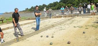 Lézardrieux(22): Kermouster, concours de boules ensoleillé