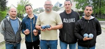 La Trinité-Surzur(56): Boules bretonnes et barbecue à la fontaine Lorec