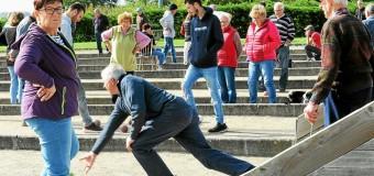 Plestin-les-Grèves(22): Pardon du Rosaire, plus de 200joueurs au concours de boule bretonne