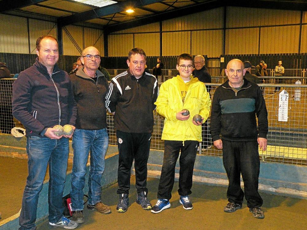 Benoît (2ème à droite) à l'initiative de ce concours y a particpé et est satisfait de la fréquentation