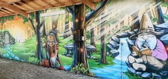 Rédené(29): Les jeunes graffeurs réalisent une fresque au boulodrome