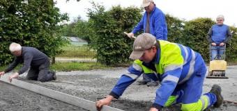 Peillac(56): Les bénévoles aménagent des terrains de boule bretonne