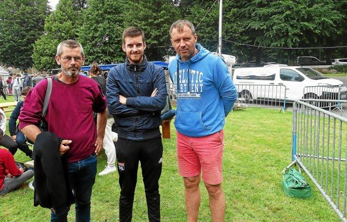 Les lauréats du concours Pen eus Pen.1.Philippe André(à gauche),2.Sébastien Gicquel(à droite).3.Alexandre Quérou.4.Jean Jacques Tréchérel(absent sur la photo).