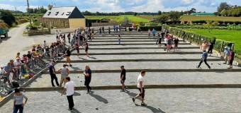 Camlez(22): Le concours de boules bretonnes au pardon de Saint-Nicolas en fait un carton